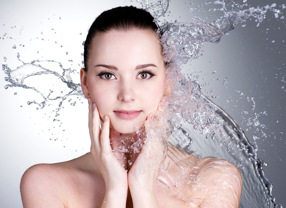 The Pros and Cons of HydraFacial: Does It Really Beat the